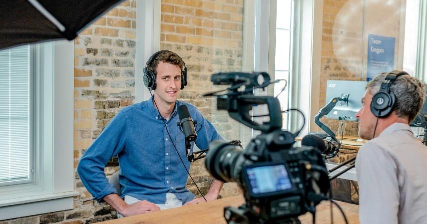 Wartawan - Peluang Kerja Menjanjikan Buat Lulusan Sastra Inggris Kepoin Yuk