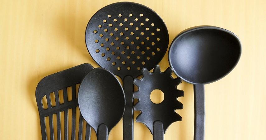 Tambah Peralatan Masak - Cara Renovasi Dapur Biaya Murah Di Bawah 5 Juta