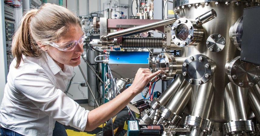 Teknisi dan Operator Mesin - Prospek Pekerjaan Jurusan Teknik Mesin dengan Gaji di Atas UMP