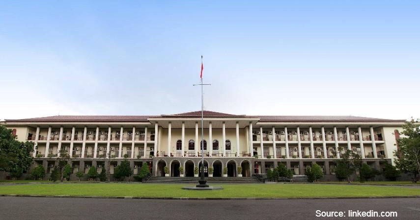 Universitas Gadjah Mada - Ini loh Kampus yang Punya Jurusan Bisnis Terbaik di Indonesia