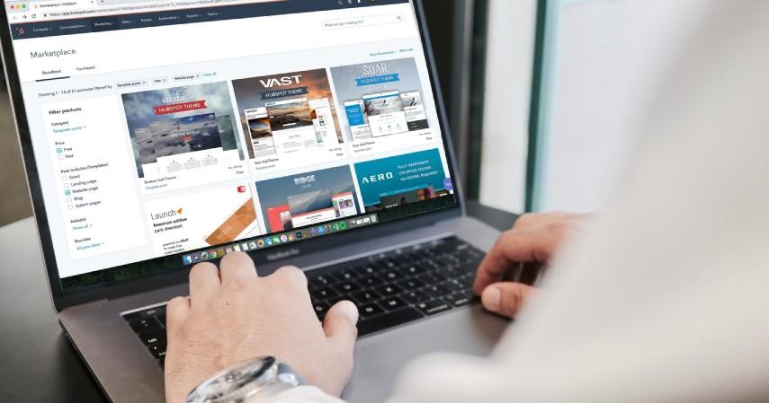 Web Desainer - Prospek Pekerjaan Jurusan Teknik Informatika Beserta Gajinya