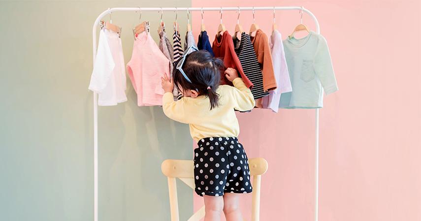Baju bayi - Persiapan Kelahiran Anak Pertama 20 Jenis Barang yang Perlu Dibeli