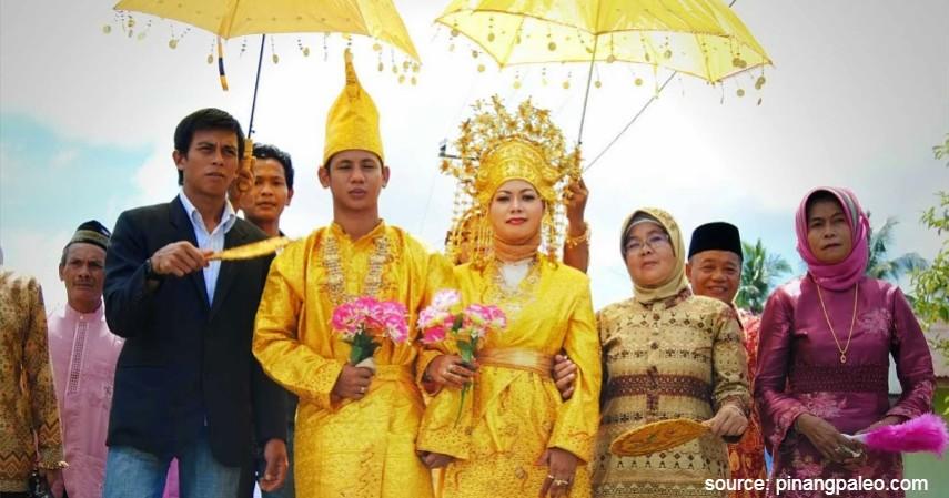 Belanga - Kepulauan Riau - 34 Pakaian Adat dari Berbagai Provinsi Terlengkap