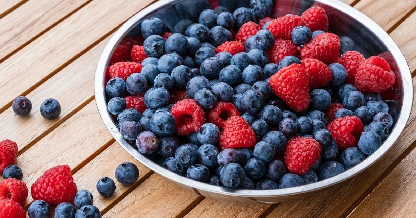 Buah Berry - 15 Makanan Untuk Penderita Diabetes yang Paling Direkomendasikan