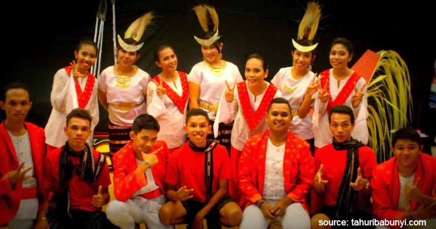 Cele - Maluku - 34 Pakaian Adat dari Berbagai Provinsi Terlengkap