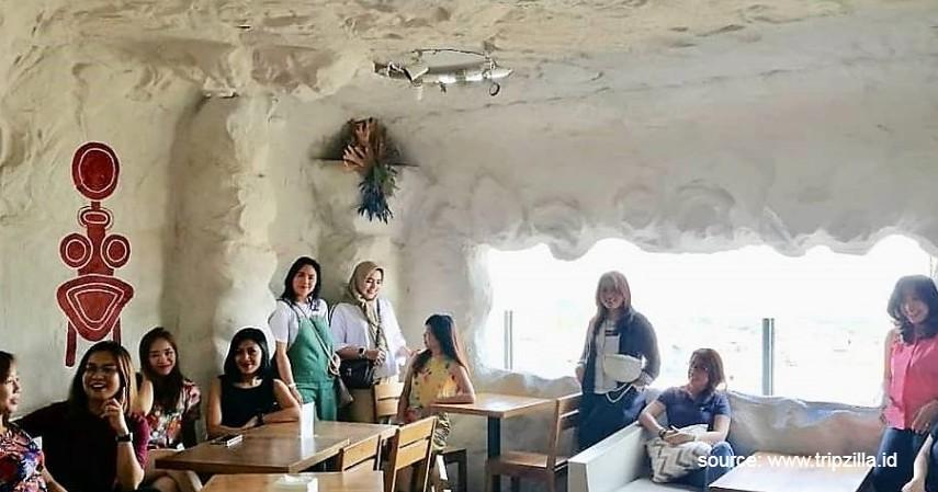 Goldstar 360 Café - Deretan Kafe Ngehits dengan Panorama Indah di Bandung