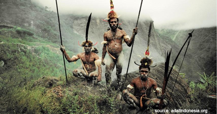 Koteka - Papua - 34 Pakaian Adat dari Berbagai Provinsi Terlengkap