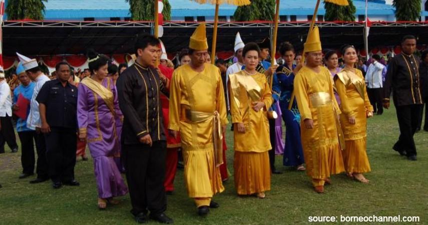 Laku Tepu - Sulawesi Utara - 34 Pakaian Adat dari Berbagai Provinsi Terlengkap