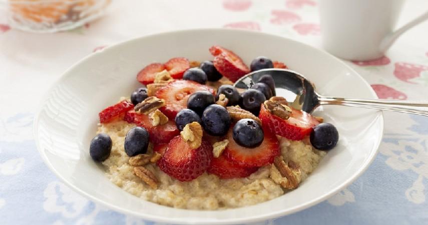 Oatmeal - 15 Makanan Untuk Penderita Diabetes yang Paling Direkomendasikan