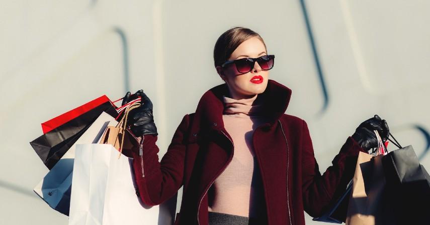 Pakaian - Jangan Kalap Diskon Belanja Online Apa Saja yang Perlu Dibeli