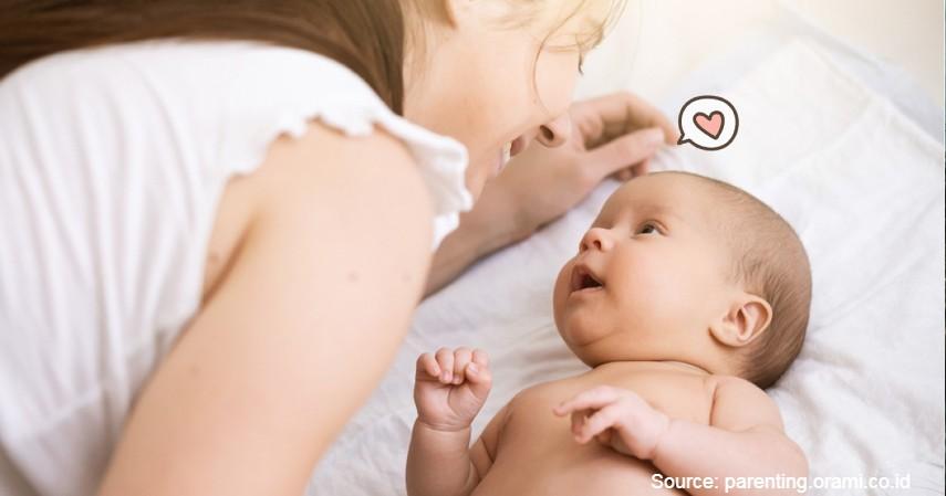 Perhatikan Kondisi Bayi - Atasi Bayi Demam yang Rewel dengan 7 Cara Berikut Ini