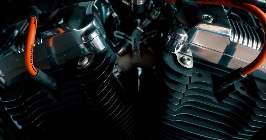 Periksa komponen motor - Musim Hujan Gini Caranya Merawat Motor Biar Tetap Prima