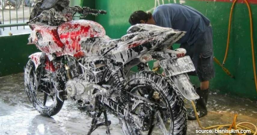 Segera cuci motor - Musim Hujan Gini Caranya Merawat Motor Biar Tetap Prima