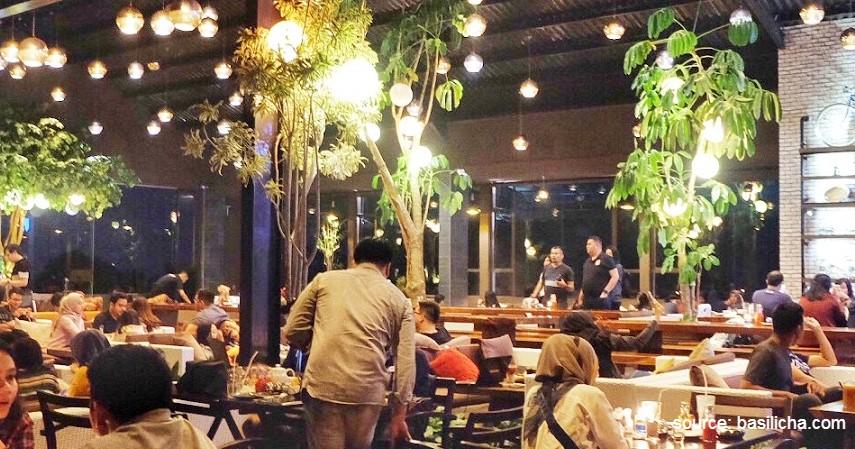 _Skyline Best View Resto - Deretan Kafe Ngehits dengan Panorama Indah di Bandung