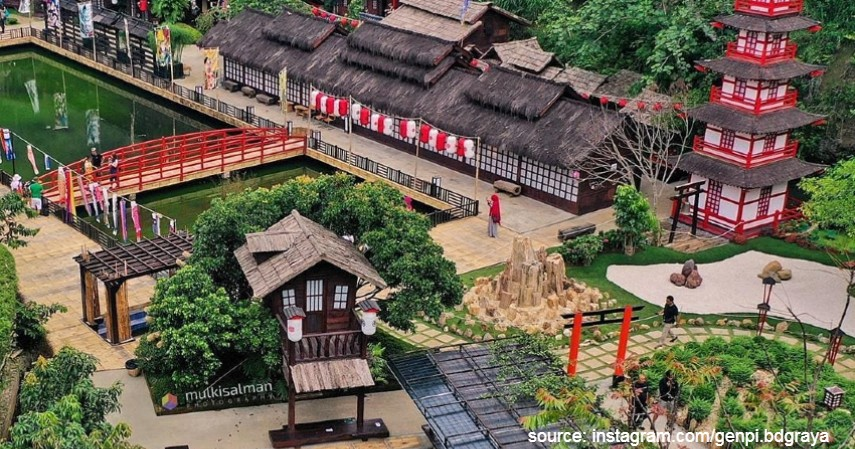 The Great Asia Afrika - 6 Lokasi Wisata Alternatif di Bandung untuk Liburan Tahun Baru