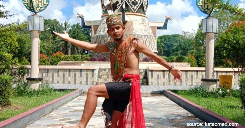 Upak Nyamu - Kalimantan Tengah - 34 Pakaian Adat dari Berbagai Provinsi Terlengkap