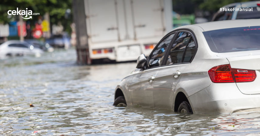 Asuransi Sinarmas Bayar Klaim Mobil Terendam Banjir Rp2,38 Miliar