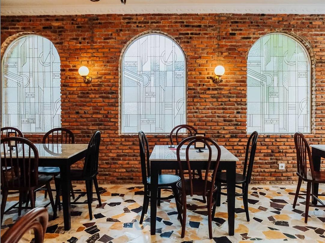 PADRE - 10 Restoran Romantis untuk Dinner di Bogor, Ajak Pasanganmu ke Sini!.jpg