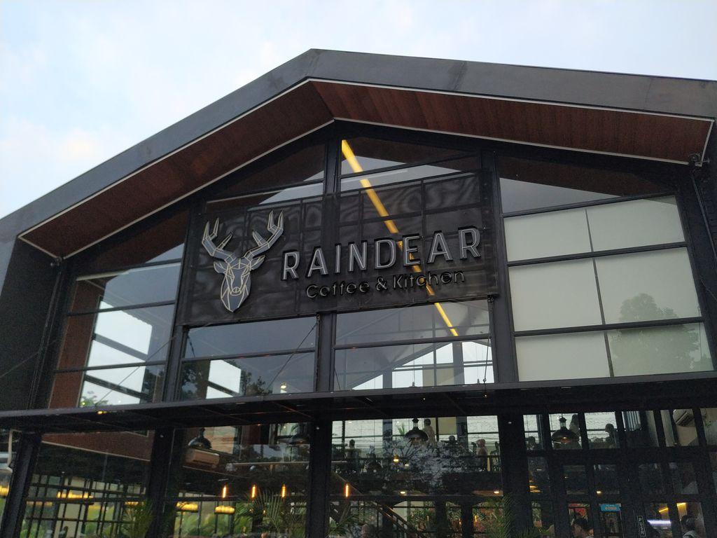 Raindear Coffee & Kitchen - 10 Restoran Romantis untuk Dinner di Bogor, Ajak Pasanganmu ke Sini!.jpg