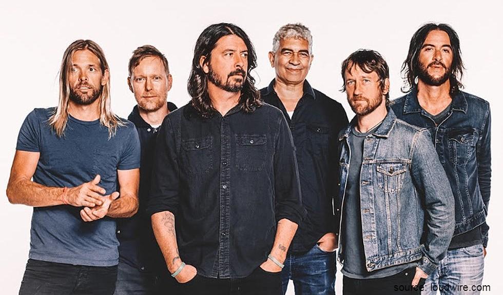Foo Fighters - Kebiasaan Unik Musisi Dunia, Pura-Pura Jadi Kucing Hingga Sikat Gigi Sebelum Naik Panggung.jpg