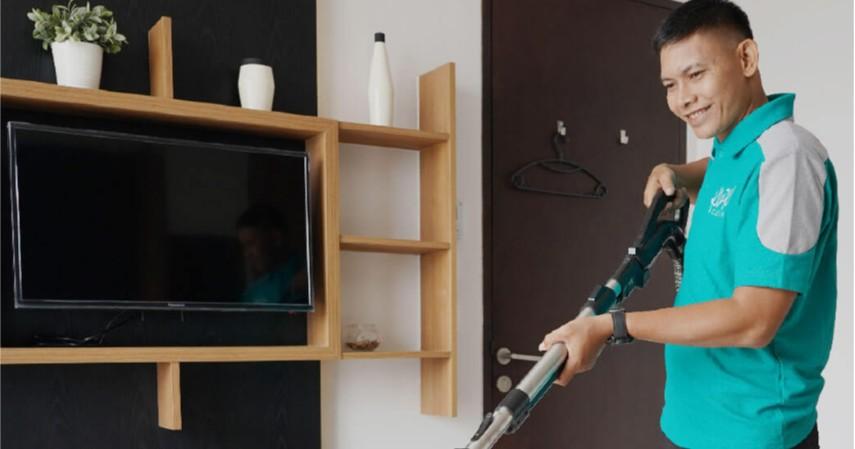 Cuci dan vakum sofa - 5 Jasa yang Paling Diincar Pasca Banjir dari Bengkel hingga Laundry