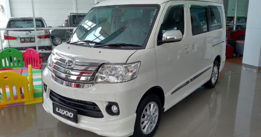 Daihatsu Luxio - Rp 175 Jutaan - Yuk Intip Daftar Mobil di Bawah 200 Juta Paling Laris
