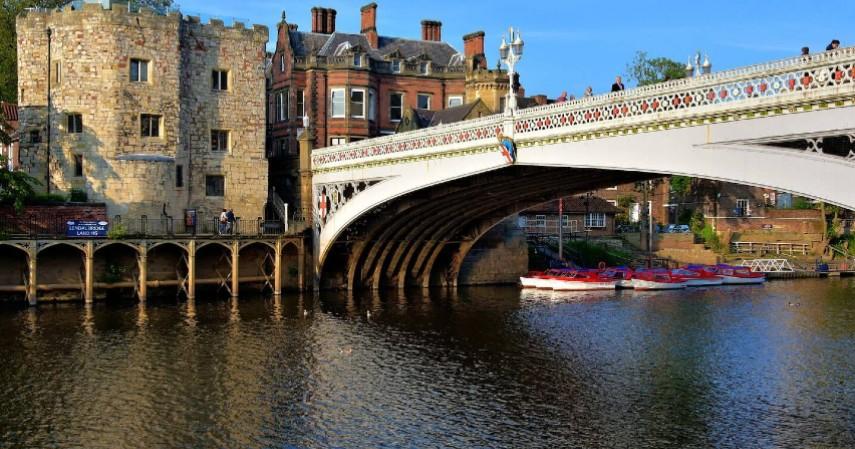 Jembatan River Ouse - Mengenal York Kota Penuh Misteri di Inggris yang didatangi Raffi-Nagita