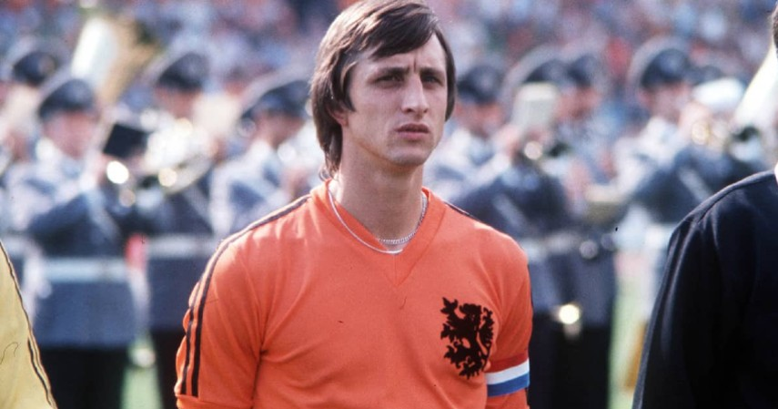 Johan Cruyff - Ajax ke Feyenoord 1983 - Inilah Daftar Transfer Pemain Bola Paling Kontroversial