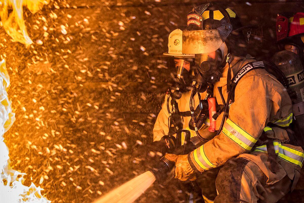 Kebakaran - Fakta-fakta Klaim Asuransi Setelah Banjir dan Pentingnya Lindungi Rumah