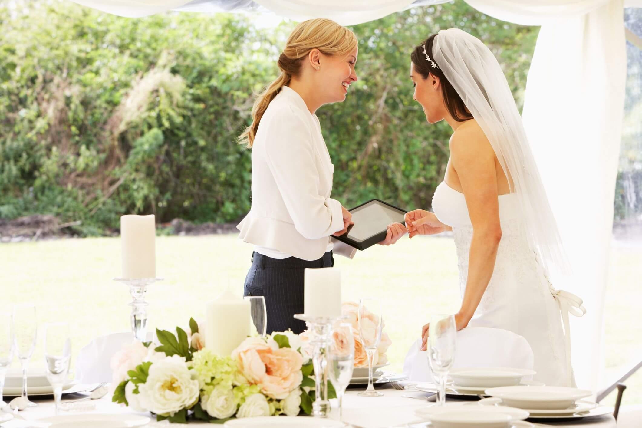 Komunikasi - 5 Prinsip Bisnis Wedding Organizer yang Perlu Kamu Ketahui