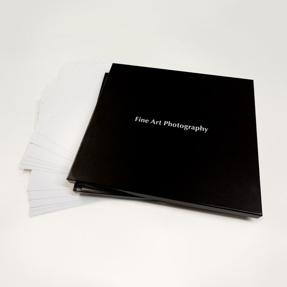 Membaca Buku Fotografi untuk Menambah Ilmu - 8 Tips Fotografi untuk Pemula Layaknya Profesional