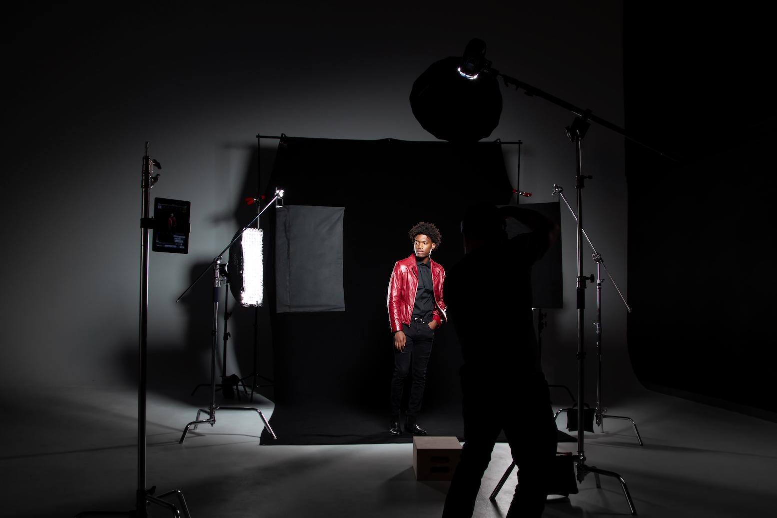 Memperhatikan Pencahayaan - 8 Tips Fotografi untuk Pemula Layaknya Profesional