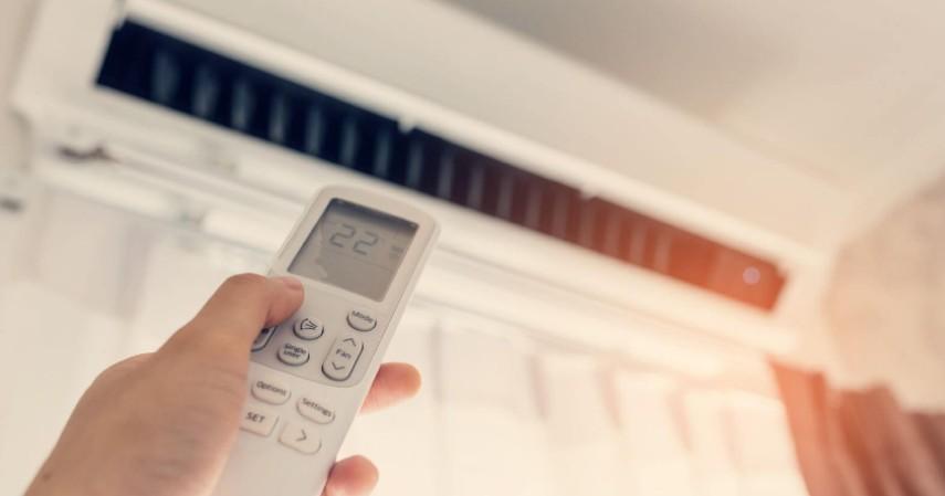 Mengeluarkan hawa hangat - Tanda AC Rumah Harus Diservis Jangan Tunggu Kompresornya Rusak