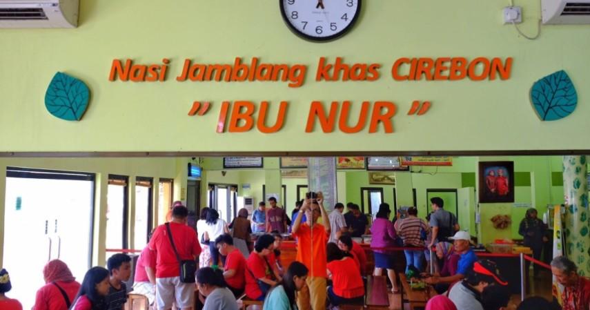 Nasi Jamblang Ibu Nur - Deretan Wisata Kuliner Enak dan Murah Kota Cirebon Dijamin Ketagihan