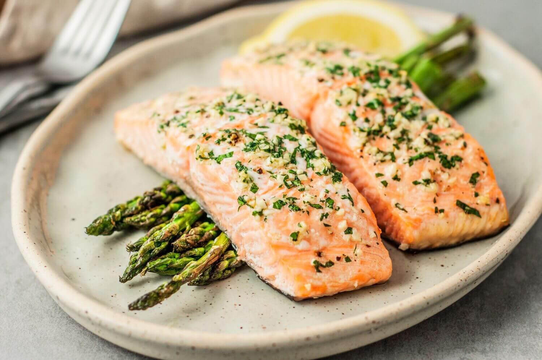 Salmon - Pengen Lebih Sehat di 2020 Konsumsi 10 Jenis Makanan Ini