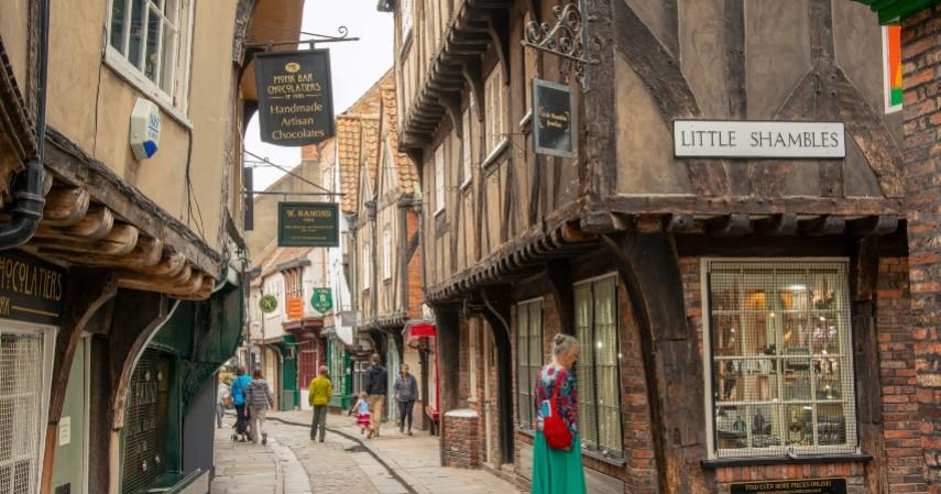 Shambles Street - Mengenal York Kota Penuh Misteri di Inggris yang didatangi Raffi-Nagita