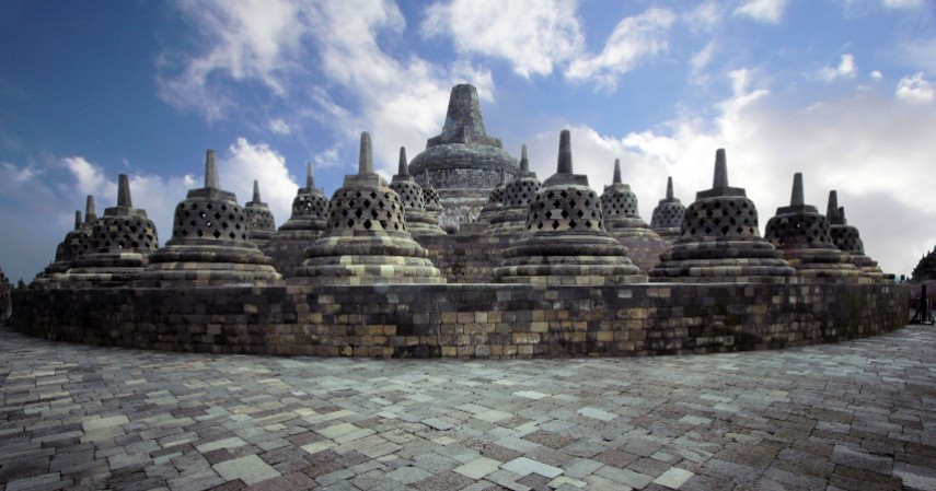 Candi Borobudur - Warisan Budaya Asli Indonesia yang Diakui UNESCO Selain Borobudur