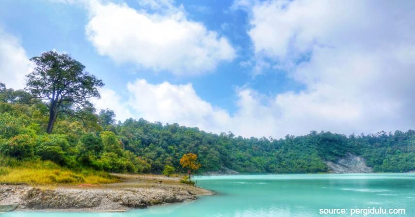 Kawah Putih Talaga Bodas - Gak Perlu Jauh-Jauh Liburan Tengok 6 Destinasi Wisata Asyik di Garut