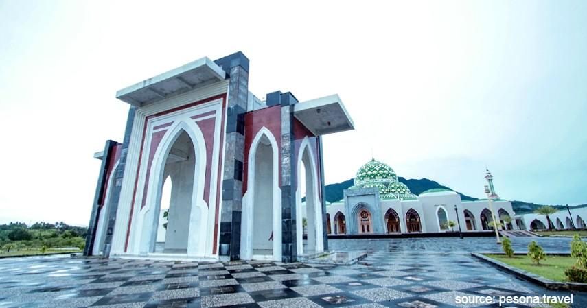 Masjid Raya Natuna - Wisata ke Natuna Kunjungi Tempat Keren Ini