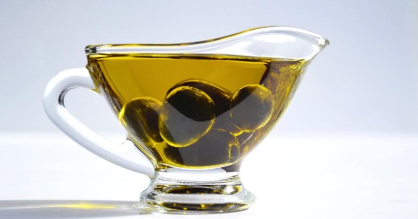 Minyak Zaitun - 10 Penyubur Rambut dari Bahan Alami Wajib Coba