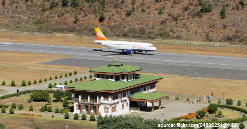 Paro Airport Bhutan - Mengulas Lengkap 7 Bandara Paling Berbahaya di Dunia
