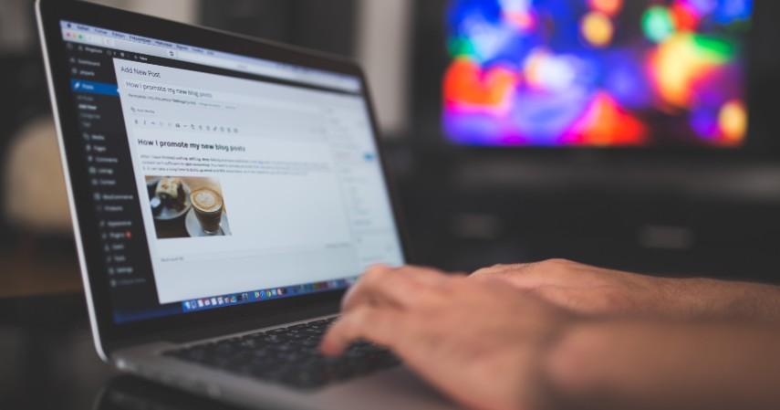 Penulis lepas - 5 Pekerjaan Freelance Asyik Buat Mahasiswa