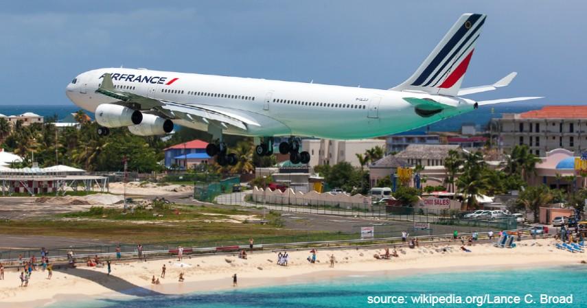 Princess Juliana International Airport St Maarten - Mengulas Lengkap 7 Bandara Paling Berbahaya di Dunia