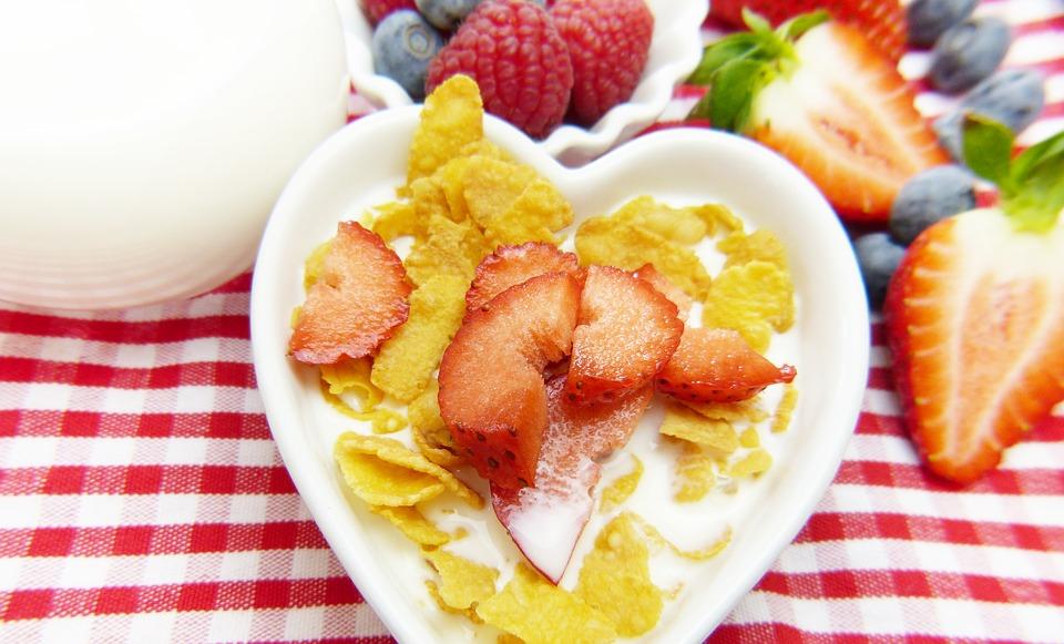 Menu Sarapan Pagi Sehat - Sereal Susu Buah