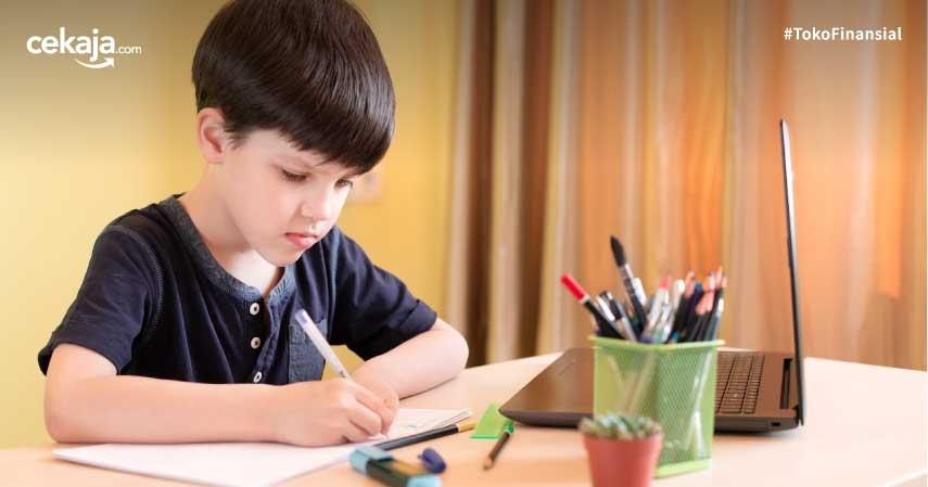 Belum Terbiasa Mengajar? Berikut Tips Efektif Anak Sekolah di Rumah
