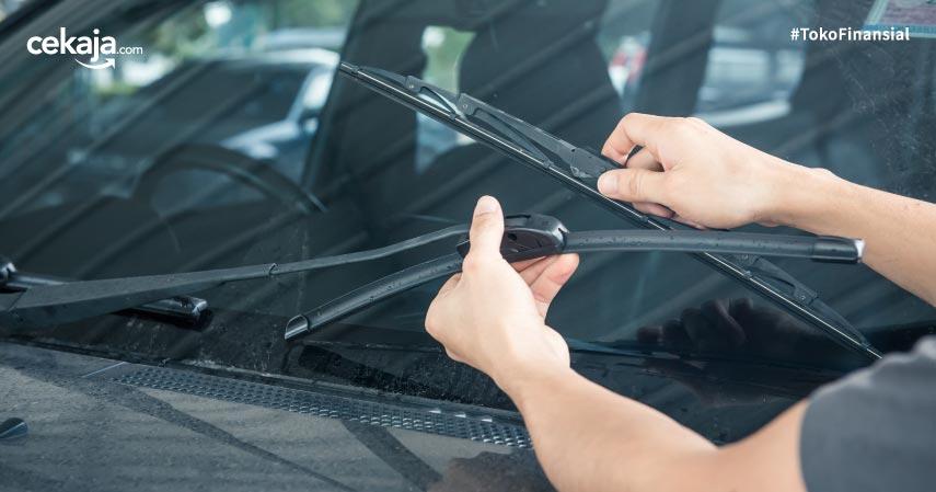 4 Tanda Harus Ganti Wiper Mobil, Apa Saja?