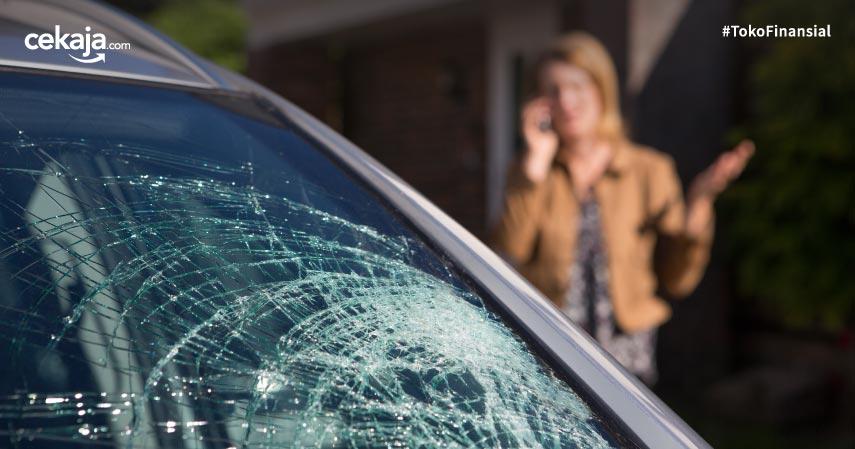 Syarat Yang Harus Dipenuhi Untuk Klaim Asuransi Kaca Mobil Pecah