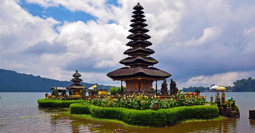 Bali - 10 Tempat Honeymoon Romantis di Indonesia