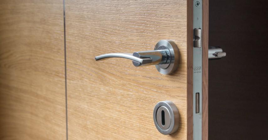 Gagang Pintu - 7 Benda yang Menjadi Penularan Virus Corona
