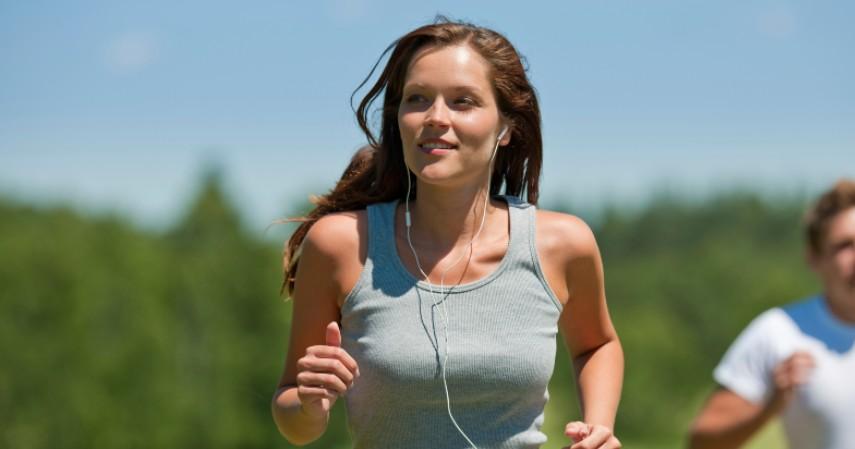 Lakukan olahraga ringan - Cara Mengatasi Nyeri Haid Biar Gak Mengganggu Aktivitas